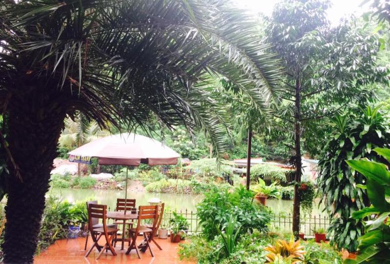 Không gian vườn xanh tạo cho khách du lịch cảm giác thư thái bình yên
