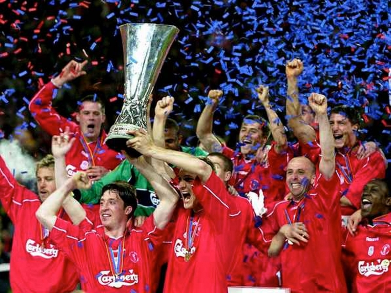 Liverpool vô địch năm 2001