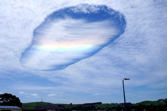 Lỗ mây lớn ở khu vực Gippsland,phía đông bang Victoria,Mỹ