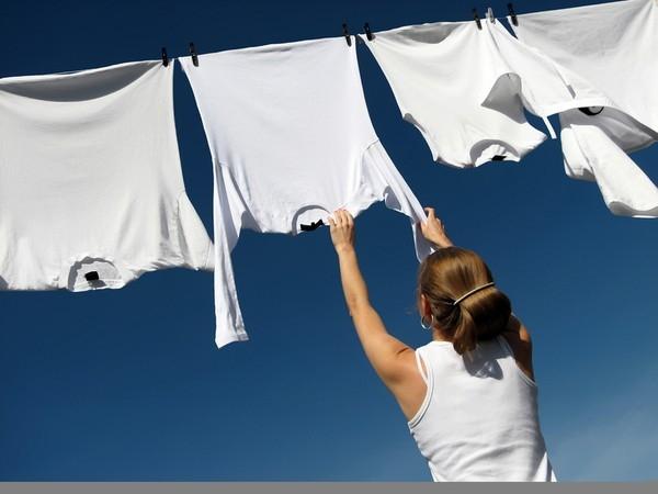 Loại bỏ các vết bẩn khó chịu trên quần áo