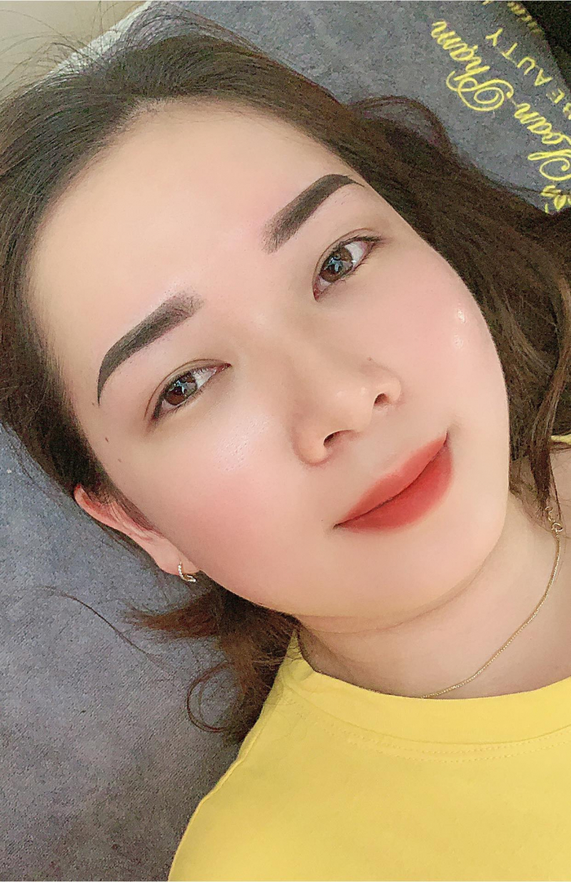Loan Phạm Phun Xăm