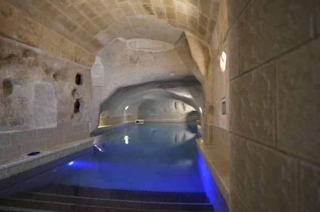 Khách sạn được tạo thành từ sự xói mòn của đá vôi
