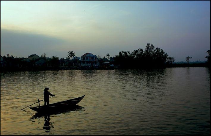Lời hát trên sông Đà