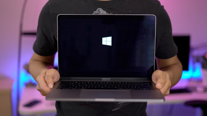 Macbook bị treo khi vào Windows