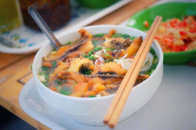 Với hai nhánh ở Hà Nội dù là nơi nào đi chăng nữa thì cung cách phục vụ, chất lượng món ăn, không gian bài trí cũng đều làm hài lòng mọi vị khách, dù là người khó tính nhất