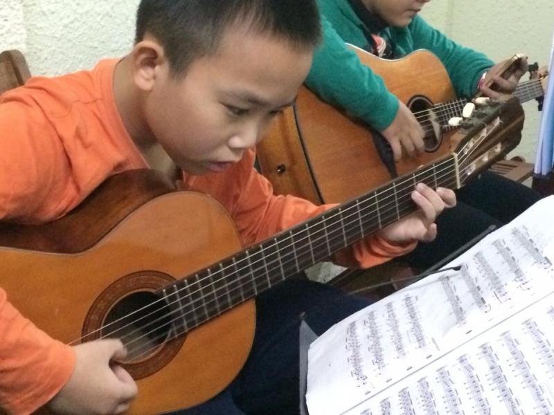 Top 8 Địa chỉ học đàn guitar giá rẻ và uy tín nhất dành cho sinh viên Đà Nẵng