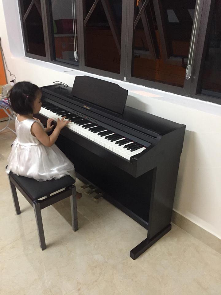 Lớp piano cô Huyền Trang