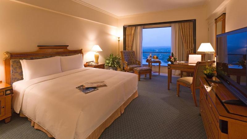 Phòng tại khách sạn Lotte Legend Saigon với view nhìn đẹp