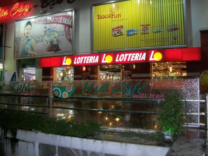 Lotteria - CoopMart Huế.