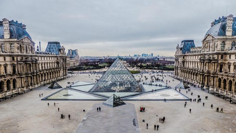 Kiến trúc tráng lệ của Louvre