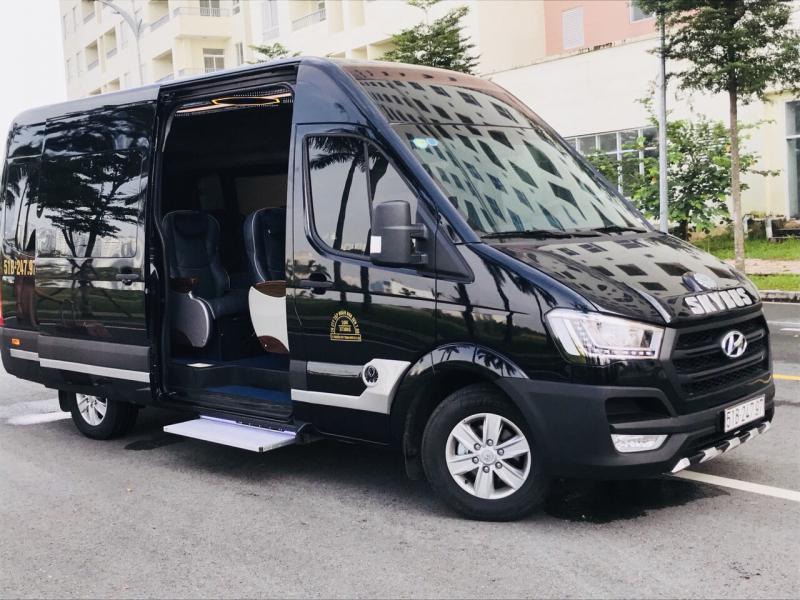 Bạn có thể chọn dịch vụ thuê xe Limousine để hạn chế say xe