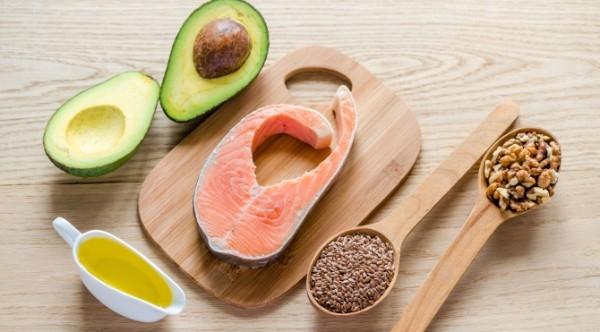 Việc lựa chọn thực phẩm phù hợp giúp bạn luôn giữ được làn da tươi trẻ và ngăn ngừa các vấn đề về mụn.