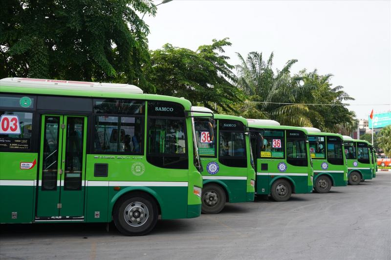 Lừa móc túi trên xe Bus hoặc ở các bến xe Bus, chợ Sinh Viên