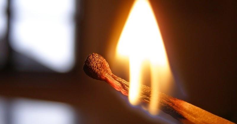 Lửa que diêm cháy không có bóng