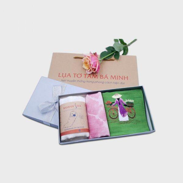 Hộp quà tặng khăn lụa tại Bá Minh SIlk
