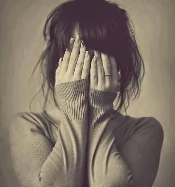 Lúc thích cậu tớ còn chưa hiểu tình yêu là gì, tới lúc xa nhau rồi mới biết nó khắc ghi sâu đậm đến thế nào