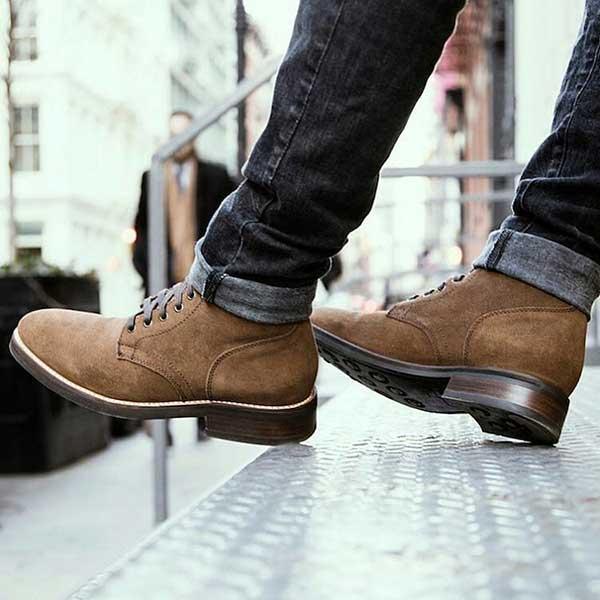 Shop luôn tự hào là địa chỉ đáng tin cậy cho khách bởi những mẫu giày đẹp, uy tín, chất lượng