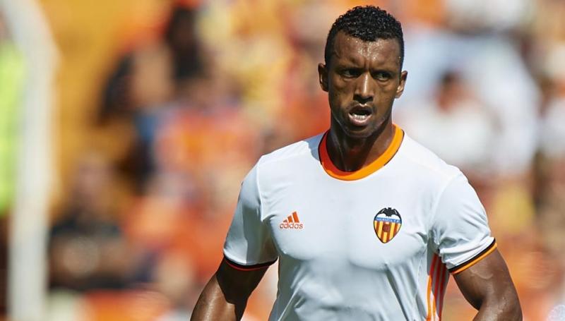 Luis Nani đang cố gắng thể hiện mình ở Valencia