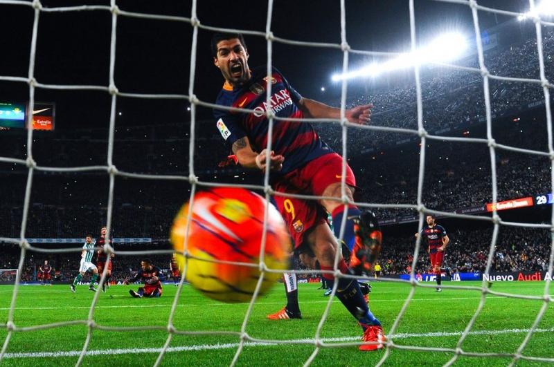 Luis Suárez: Liverpool sang Barcelona, 2014 giá  75 triệu bảng Anh