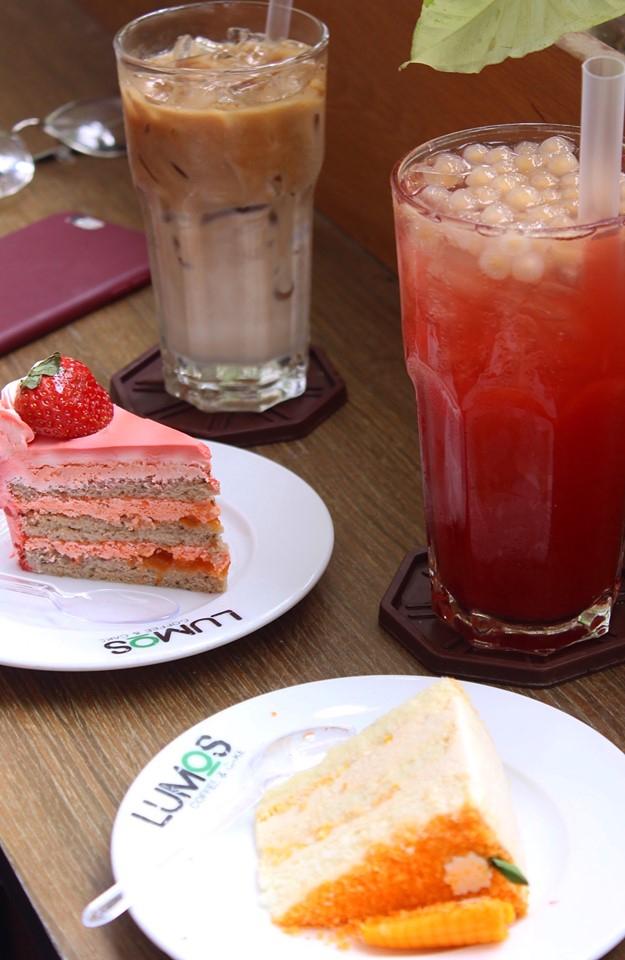 Không gian đơn giản tại Lumos Coffee and Cake
