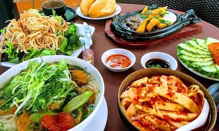 Menu đa dạng với nhiều món ăn hấp dẫn
