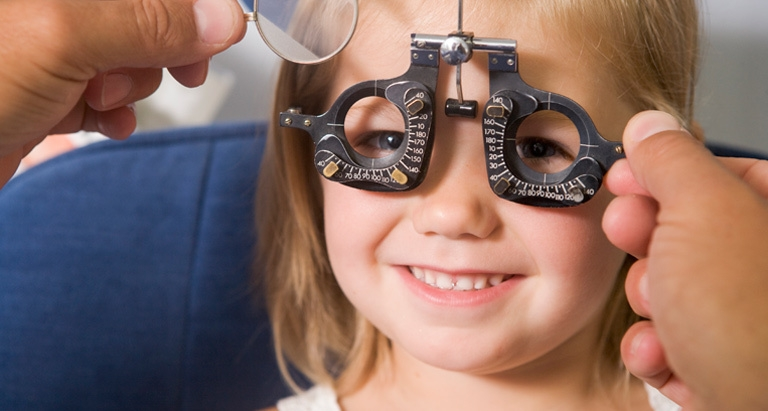 Lười khám mắt sẽ khó phát hiện và điều trị không kịp thời các bệnh về mắt