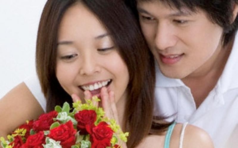 Biết khen ngợi chồng chính là bí kíp gìn giữ hạnh phúc gia đình.