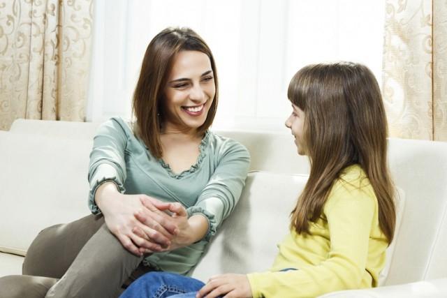 Trở thành một người bạn có thể trò chuyện cùng con