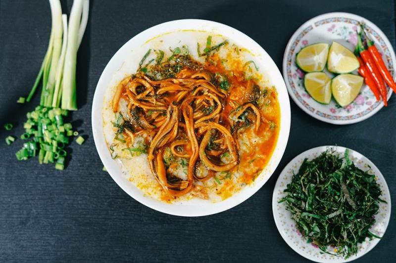 Món cháo lươn đặc biệt thơm ngon của Lươn O Quế