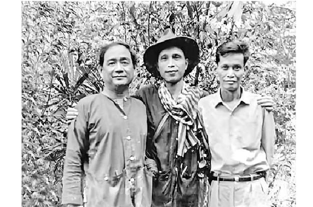 Nhạc sĩ Lưu Hữu Phước (bên trái)