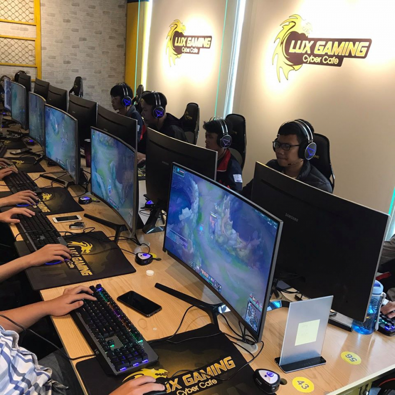 LUX Gaming Cyber Cafe