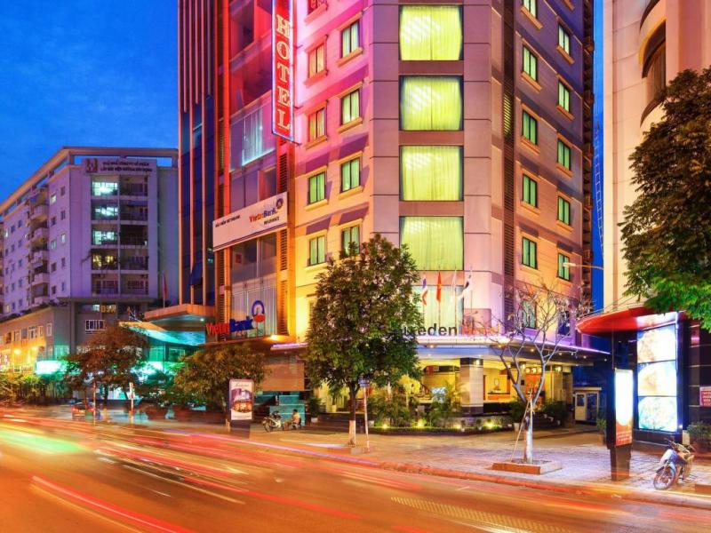 Khách sạn Luxeden Hotel