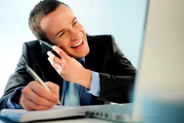 Việc luyện tập trước nhiều lần giúp bạn tự tin hơn khi giao tiếp với khách hàng