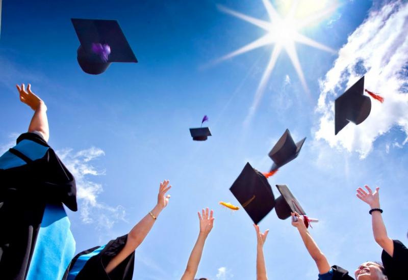 Top 10 lý do bạn nên đi du học