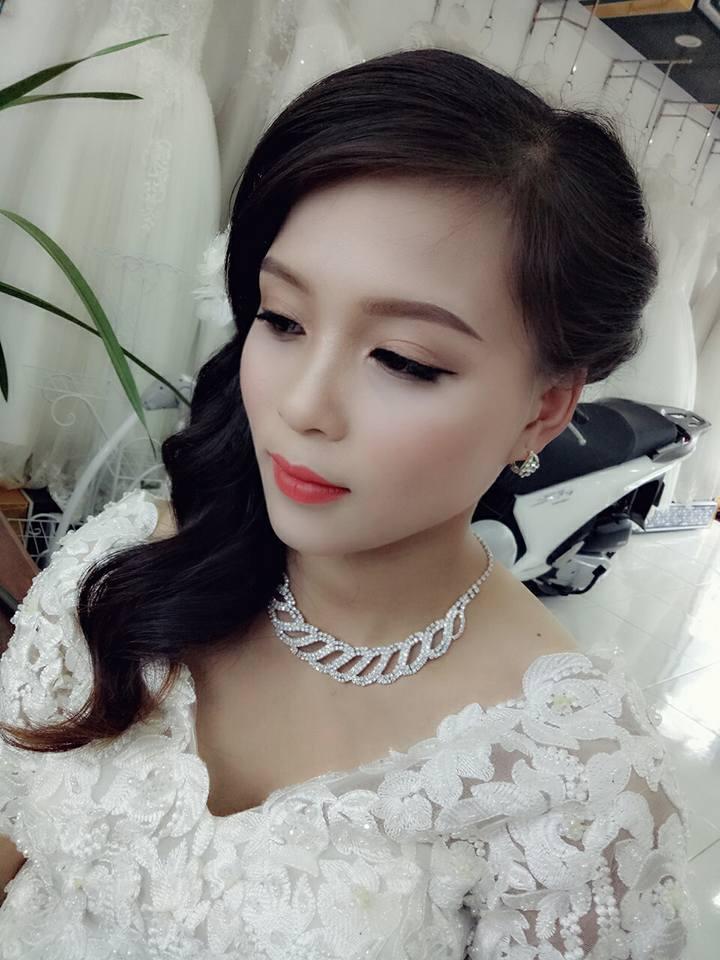 Lý Kim Thuận (Rubi Make Up)