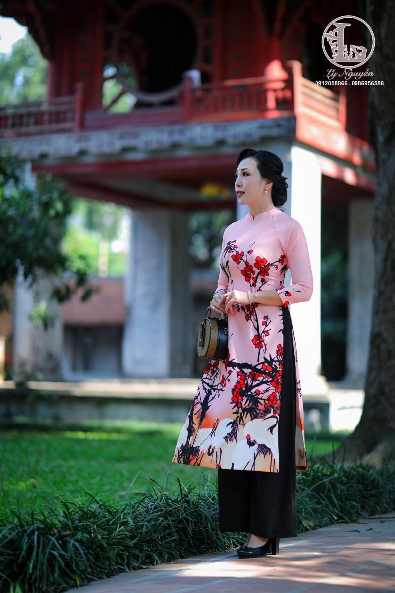 Áo dài cách tân tại Ly Nguyễn