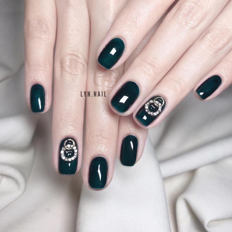 LYN Nails