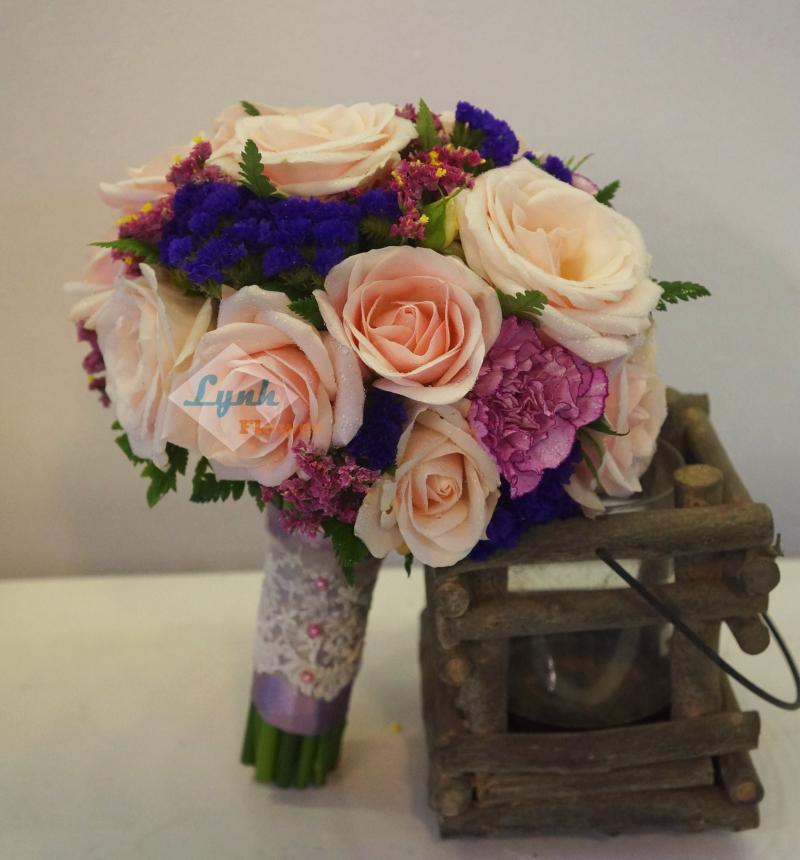 Kết hợp một cách khéo léo sẽ tạo nên một bó hoa xinh đẹp