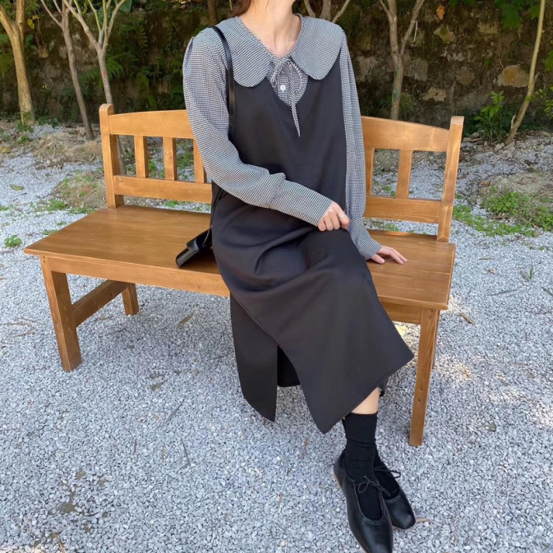 Lyn's - Clothes & Accessories
