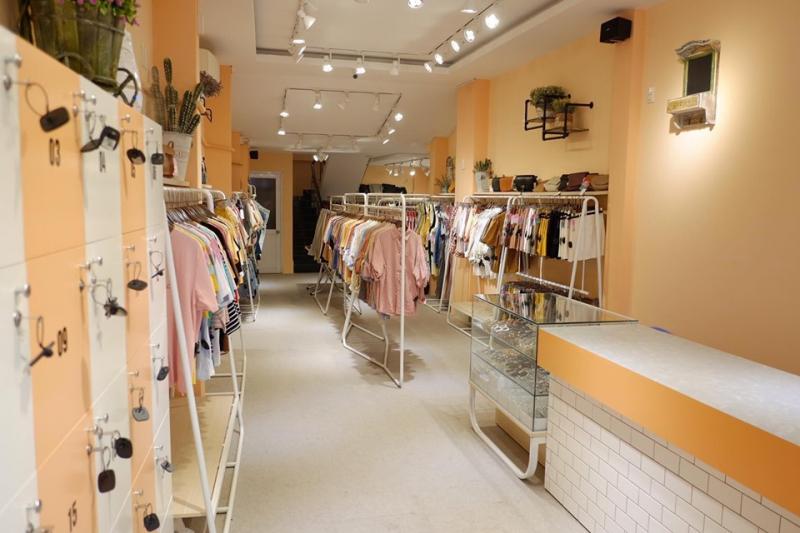 Lyn's – Clothes & Accessories shop luôn có nhiều mẫu thiết kế dành cho giới trẻ