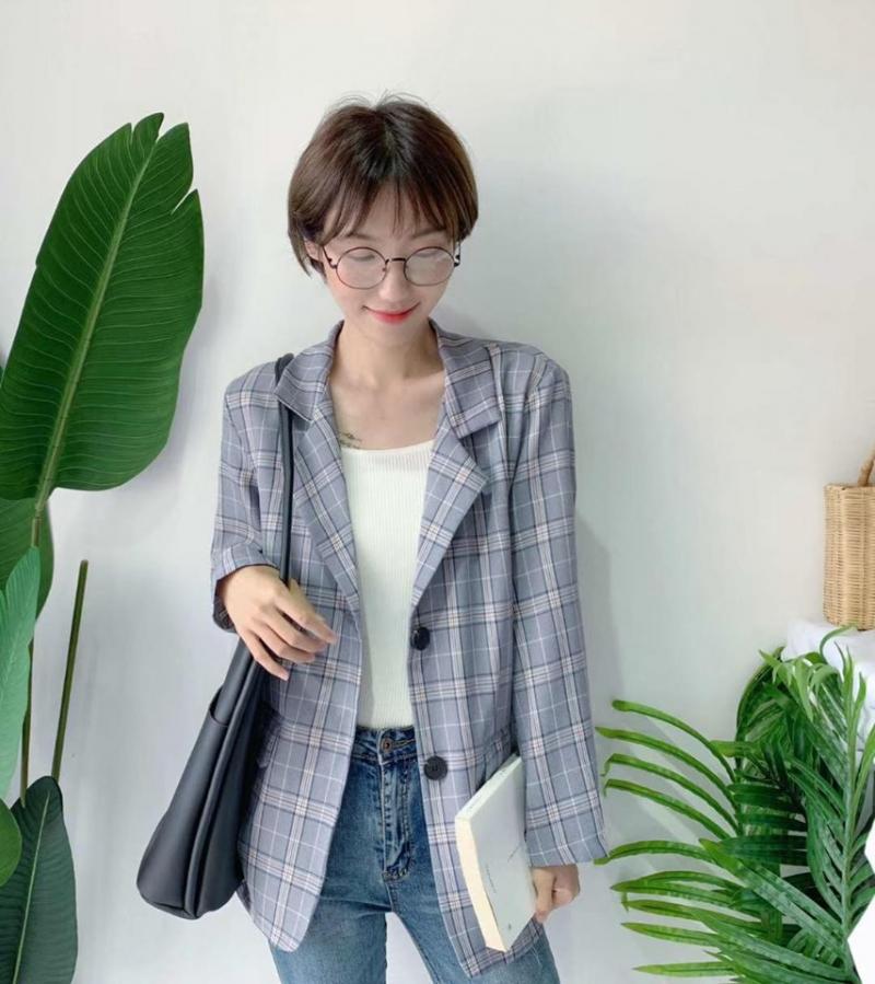 Lyn's – Clothes & Accessories shop luôn có nhiều mẫu thiết kế dành cho giới trẻ, luôn bổ sung vào gian hàng của mình