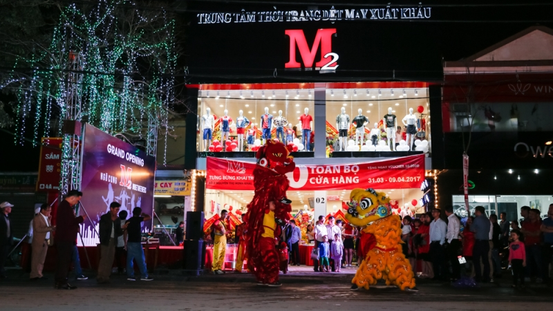 Cửa hàng M2 khai trương hoành tráng tại Lý Thường Kiệt.