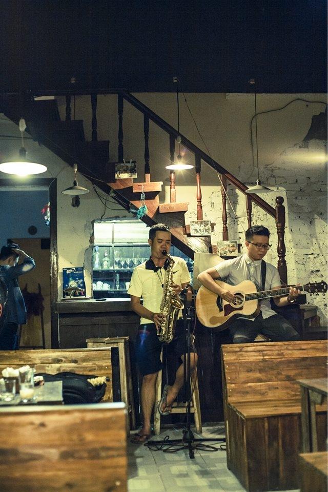 Mạc cafe thường xuyên tổ chức các đêm nhạc hấp dẫn