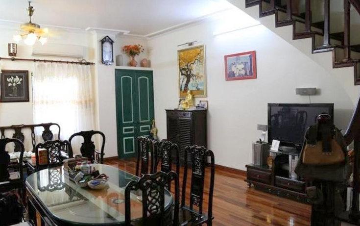 Madam Hien Home nằm trong khu trung tâm phố cổ, bước một bước là lạc vào mê cung mua sắm, ẩm thực và cảnh đẹp