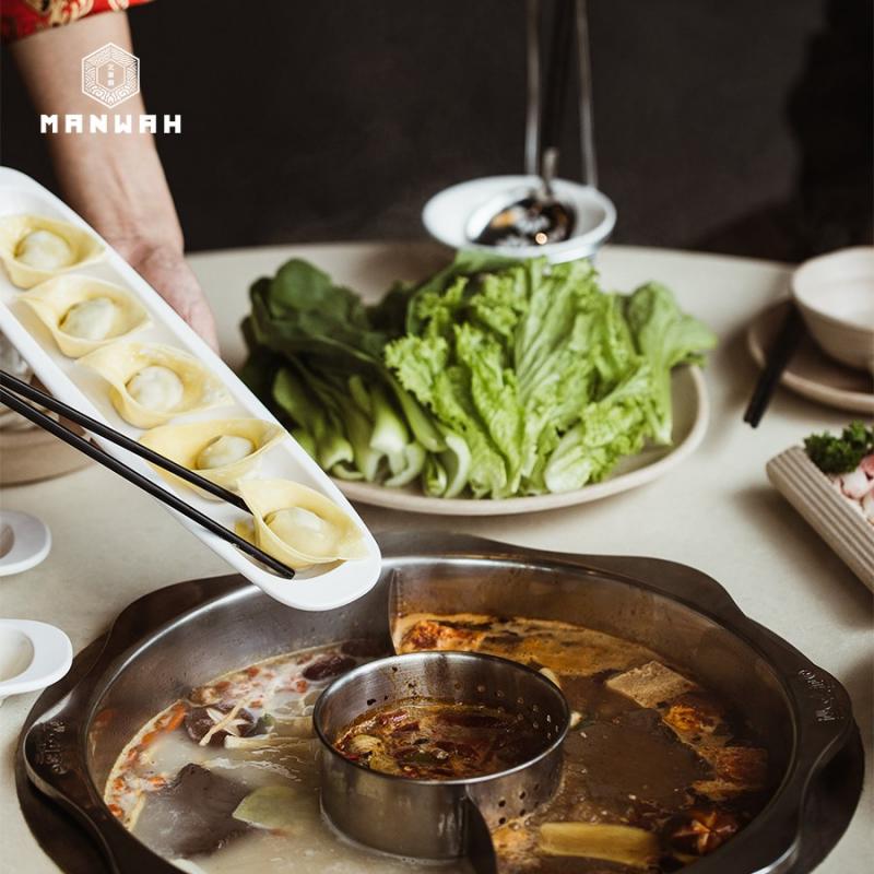 Menu nhúng lẩu của Manwah Taiwanese Hotpot rất đa dạng