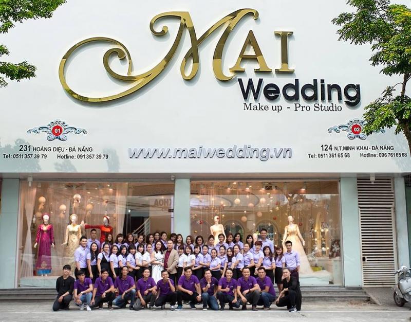 Đội ngũ nhân viên tận tình chuyên nghiệp của Mai Wedding.