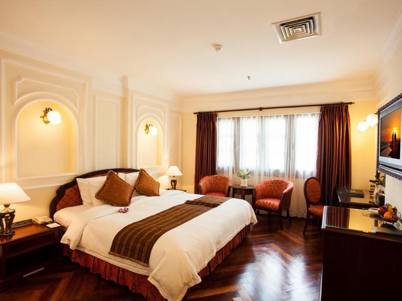 Phòng tại khách sạn Majestic Saigon