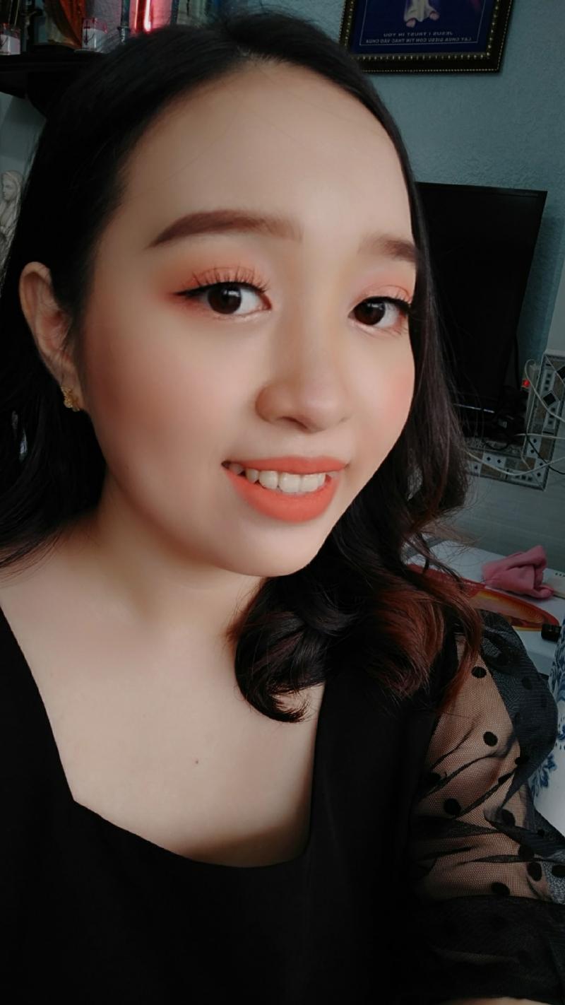 Make Up Kumiko Pham