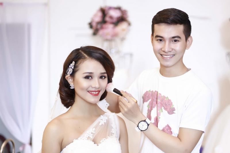 Popli Makeup với phong cách trang điểm chuyên nghiệp và tỉ mỉ