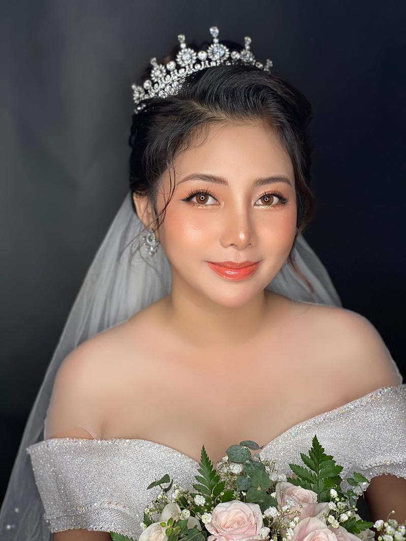 Makeup Phu Quoc - Jendda Huyen